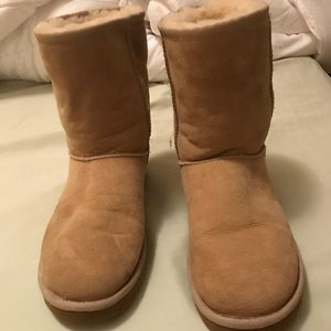 Size 9 women's uggs